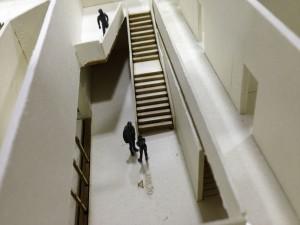 Roncallihaus Modell – Treppe im Foyer