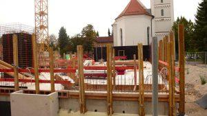 Roncallihaus 2.0 Baustelle: Blick auf Kirche