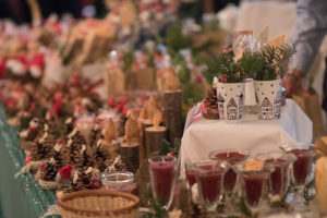 Verkaufsstand beim Adventsbazar 2017 im Gartensaal der Hessingburg